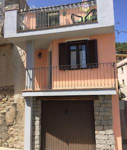 appartamento indipendente - Elini - Casa