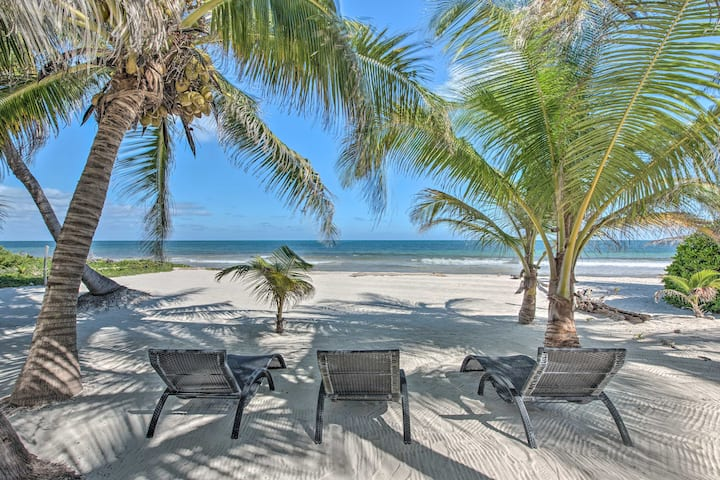 Beachfront Quintana Roo Apartment w/ Balcony+Views