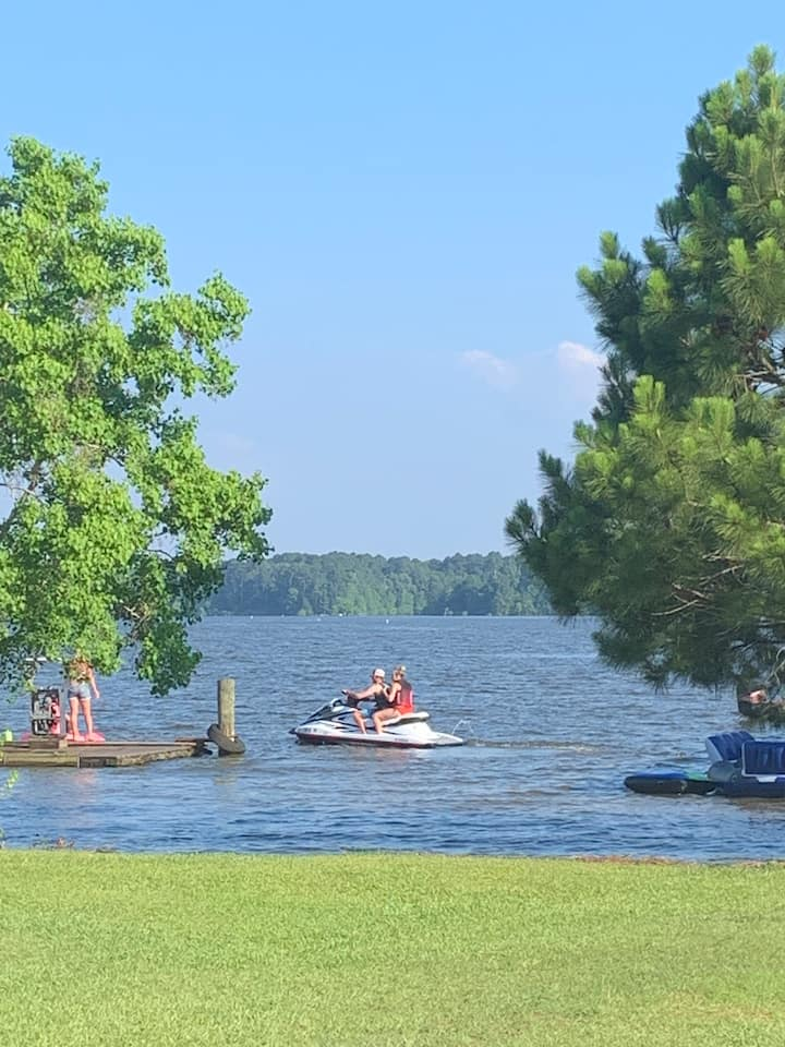 Waterfront Guesthouse w/ boat ramp on Toledo Bend