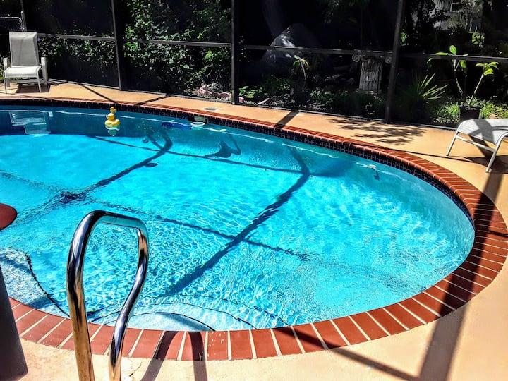 Yacht Club close, Pool, Pvt Entry Queen BR/Bath