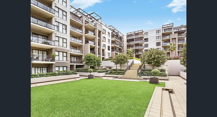 Quiet, Private, waterfront and easy access to city - Meadowbank - Apartment