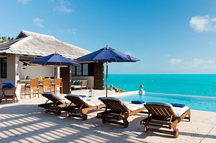 New Listed! Oceanfront 8000 sq.ft Villa 4BR/4.5Bth - Caicos Islands - Villa