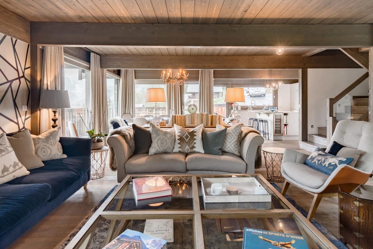 Chic, Luxurious, Family Ski Chalet with Mountain Views