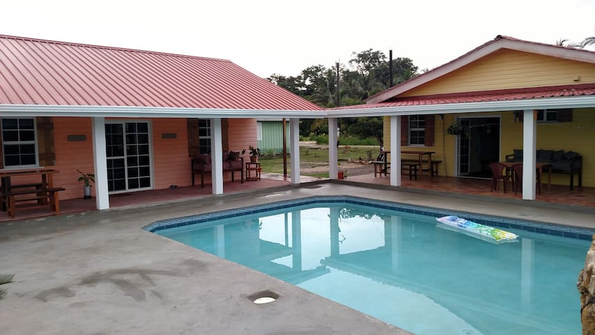 600 sq ft Cassita with pool! - Punta Gorda - House