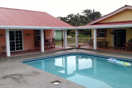 600 sq ft Cassita with pool! - Punta Gorda - Ház