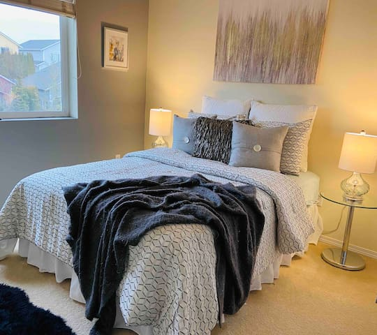 Cat-Lovin' home - 1 bedroom full size bed