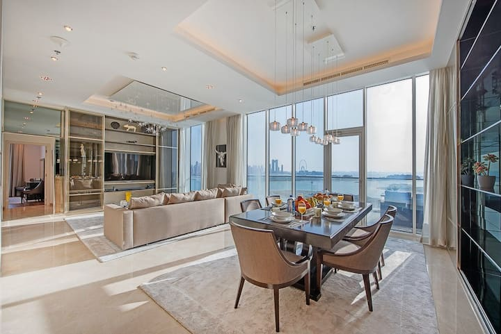 Most Luxurious 3BDR on The Palm with Private Beach