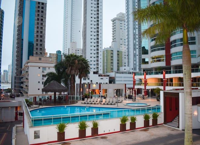 Apartamento aconchegante na Barra Norte com Wi-fi