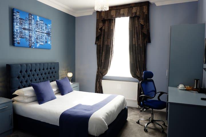 Hotel Standard City Central Double En-suite