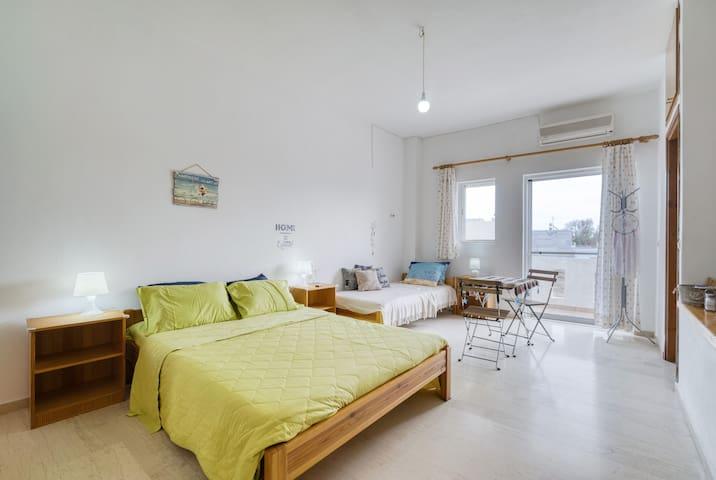 Perivoli Guest Room XL