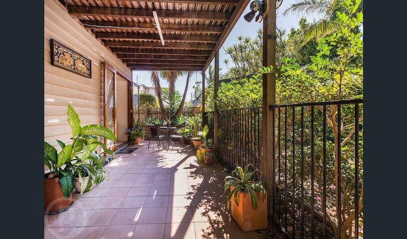 Quiet oasis in self contained unit - Coorparoo - Maison