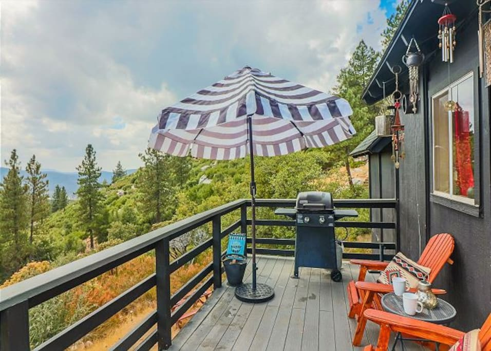 Enjoy the view while grillin' some food on the BBQ