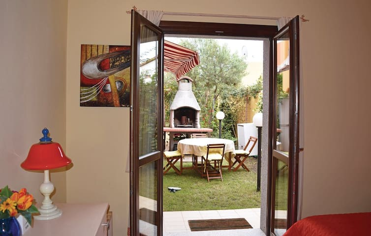 Lovely, Cosy Holiday Apartment, Sardinia