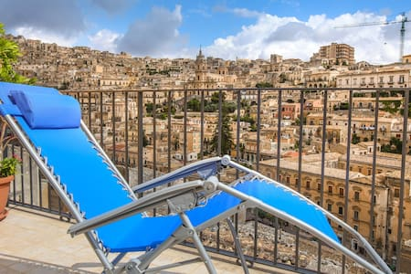 NEST ON BAROQUE, terraces and views - Modica - Byt