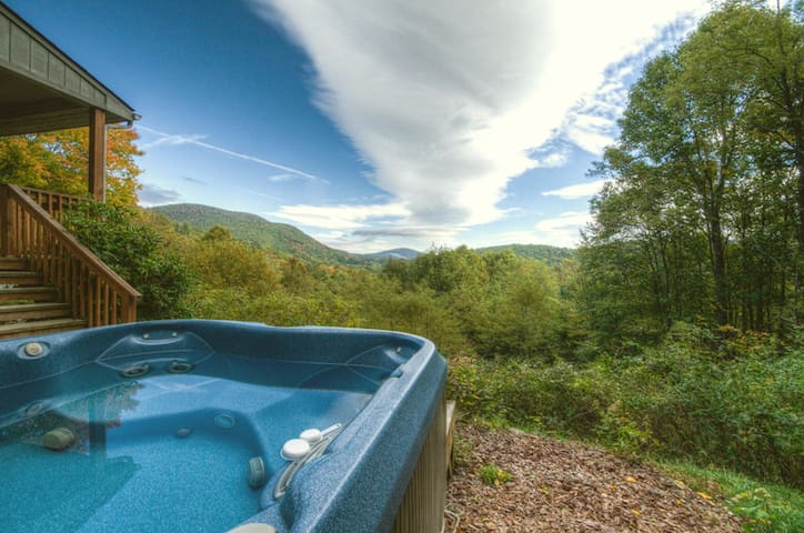 Appalachian View with HOT TUB and VIEWS - Todd - Cabin