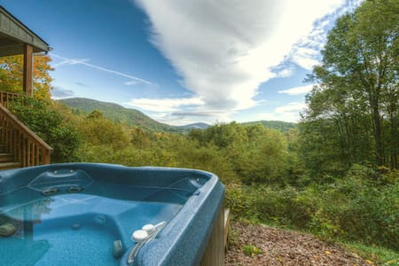 Appalachian View with HOT TUB and VIEWS - Todd - Cottage