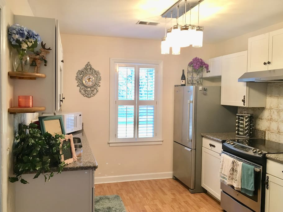 Walk to the local farmers market and prepare your meal in this well appointed kitchen!