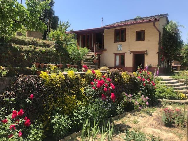 Sandhya - A quaint retreat in the Himalayas