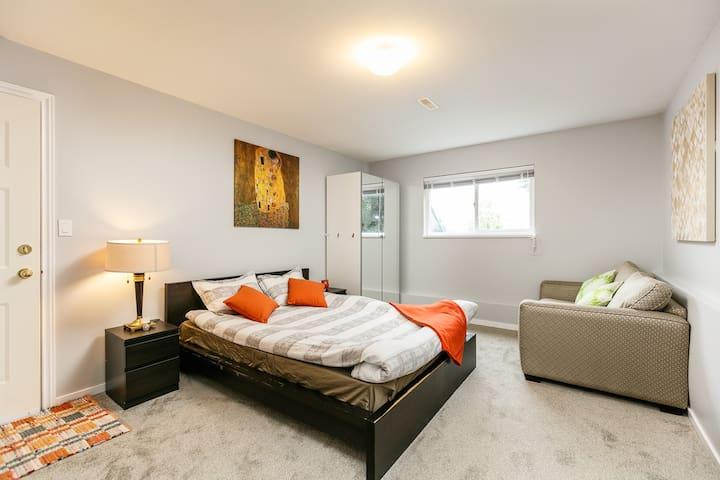 Large cozy & quite 2 bedroom private suite space