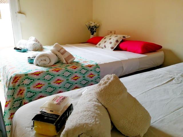Suite w Terrace & its own Bathroom in BCN´s Heart!