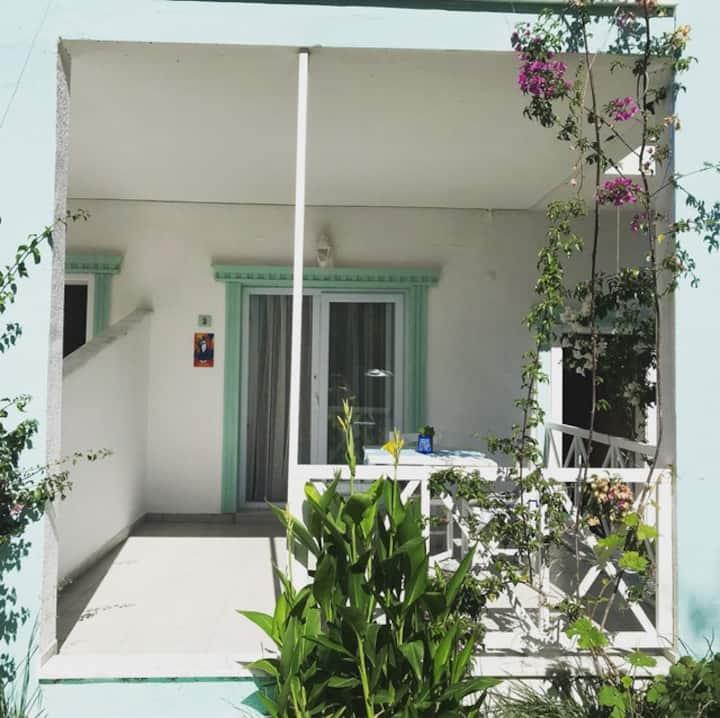 Moka Butik Otel Selimiye 3 kişilik oda