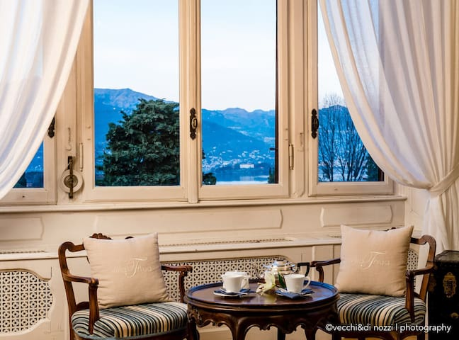 Suite in old villa on Lake Maggiore with swimpool