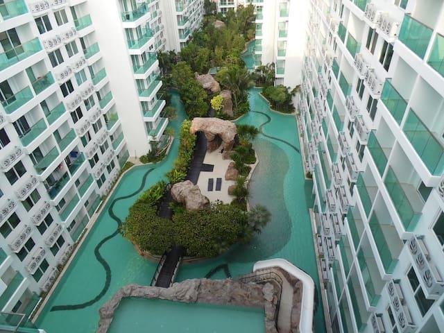 Biggest Swimming pool in pattaya