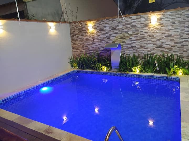 Casa com piscina na praia do Bopiranga