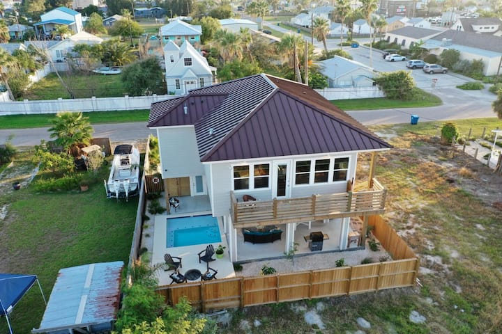 MONTE KRISTEAUX *New Built in Old Town *PRIVATE POOL *Golf Cart Zone