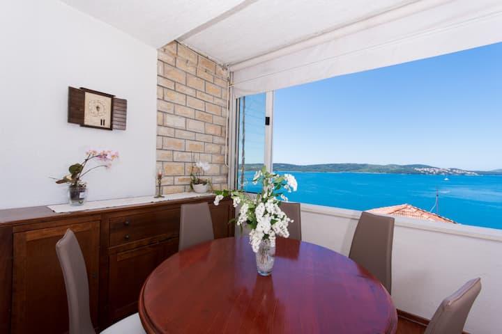 Villa Roza -breath taking sea view