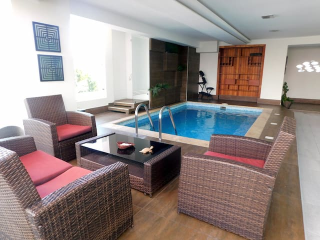 Beautiful apartment with pool, gym and sauna!