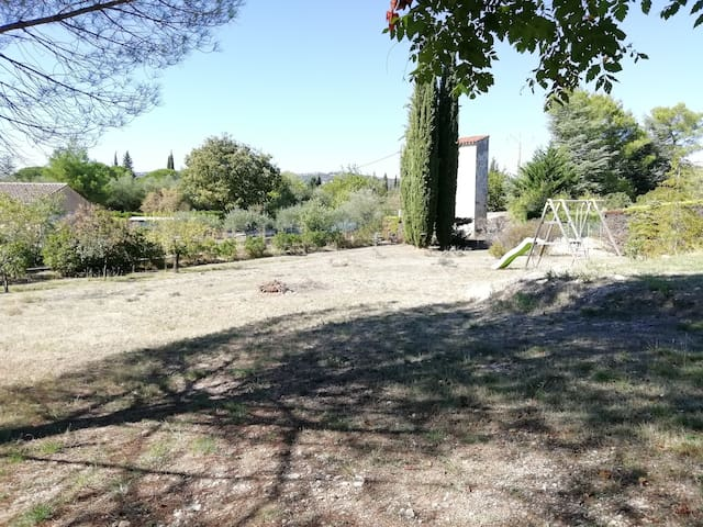 A two-room ground garden in Pic Saint-Loup