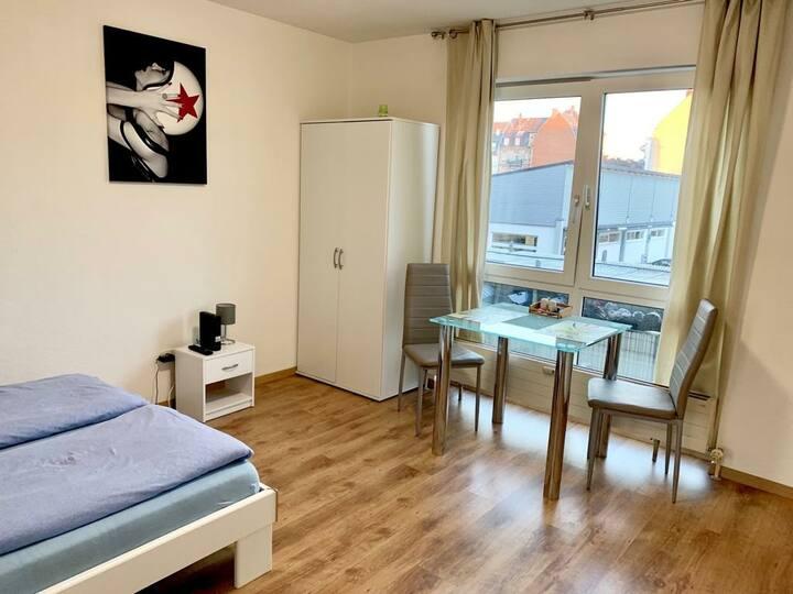 1-Zimmerwohnung.Wi-Fi. 300Meter von U-Bahn Station