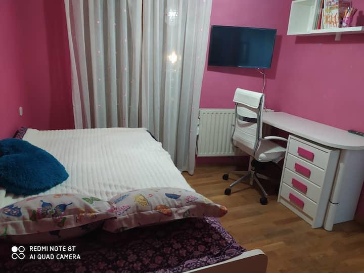 Habitación Balcon Smart TV,wifi, escritorio...