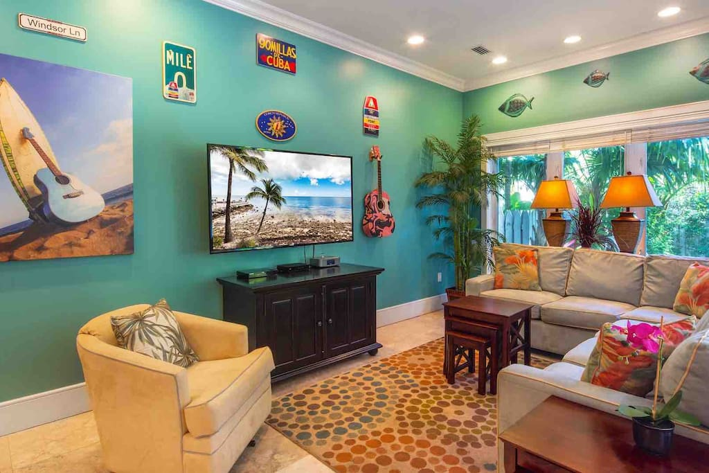 The Smiling Ibis welcomes you with bright, tropical colors, tall ceilings, and luxurious modern furnishings...