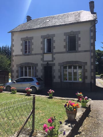 Large, Picturesque holiday home in the Correze