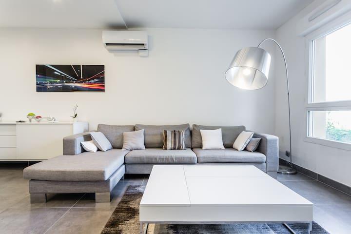 Design Standing Apt in Aix - Aix en Provence  - Apto. en complejo residencial