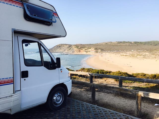 Amália, Portugal By Wheels 100% RELAX.0% STRESS.