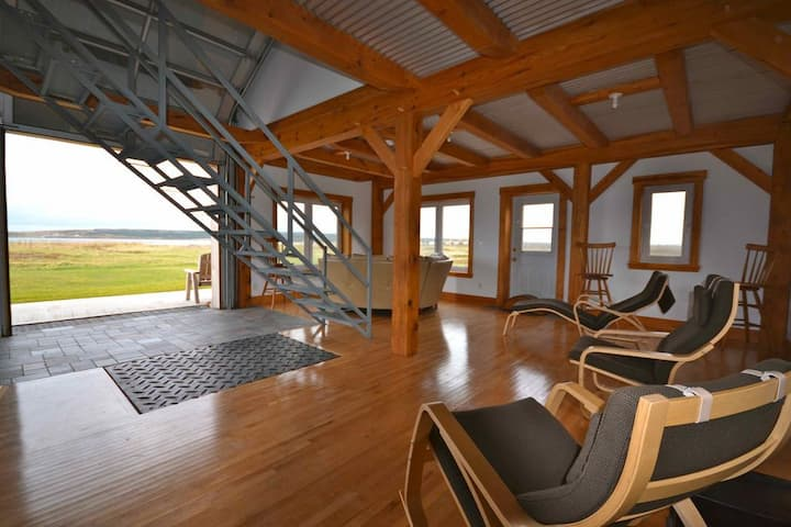 New Beachfront Post+Beam Cottage, near Cabot Trail