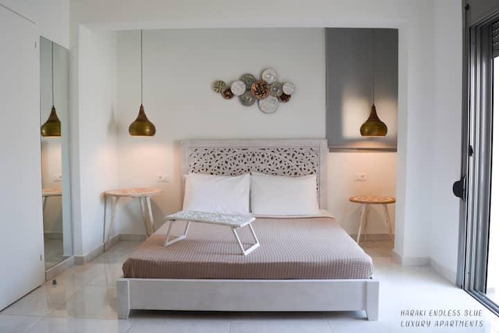 Endless Blue Luxury Apartment 2