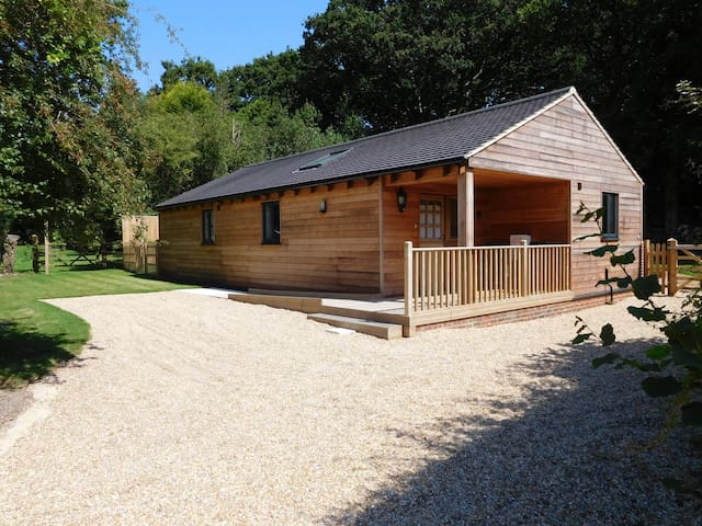 Larch Cottage, Chailey, East Sussex