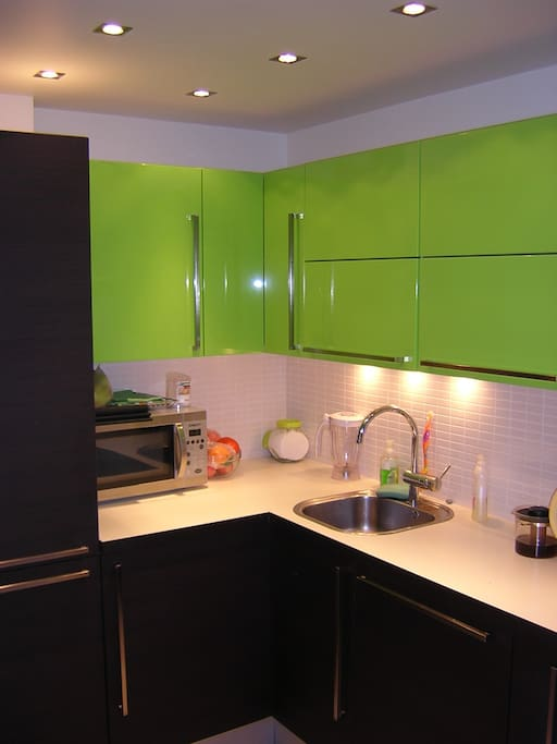 Fitted kitchen with everything needed for cooking