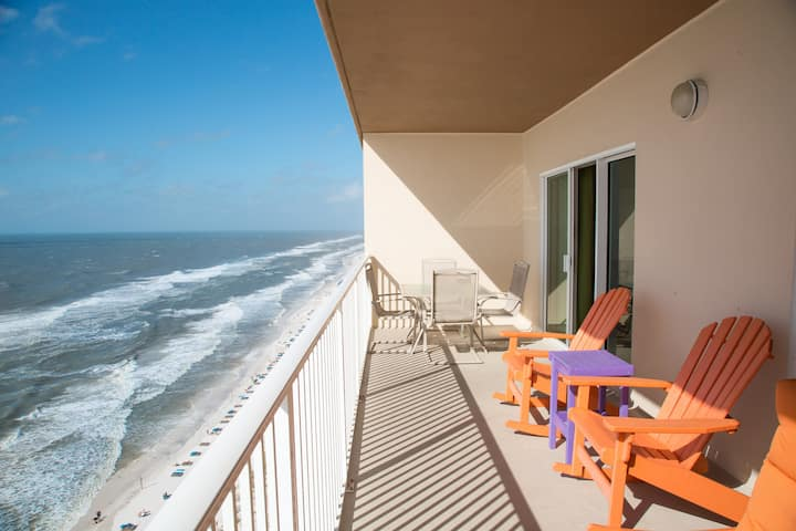 Beautifully Updated 2bed/2bath Gulf Front Condo