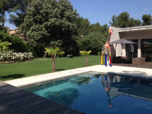 Villa La Girafe - Bouc-Bel-Air - House