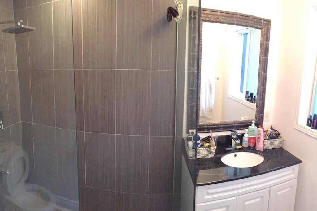 Salle de bain Dans la chambre douche Italienne + Toilette