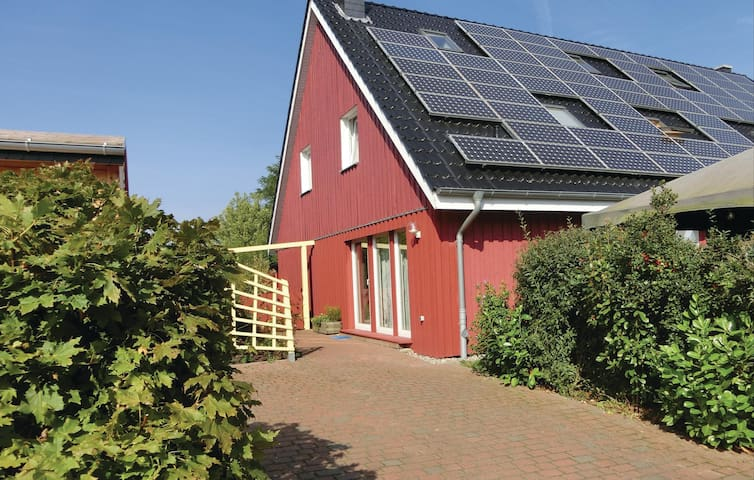 Semi-Detached with 3 bedrooms on 77 m² in Wahrstorf