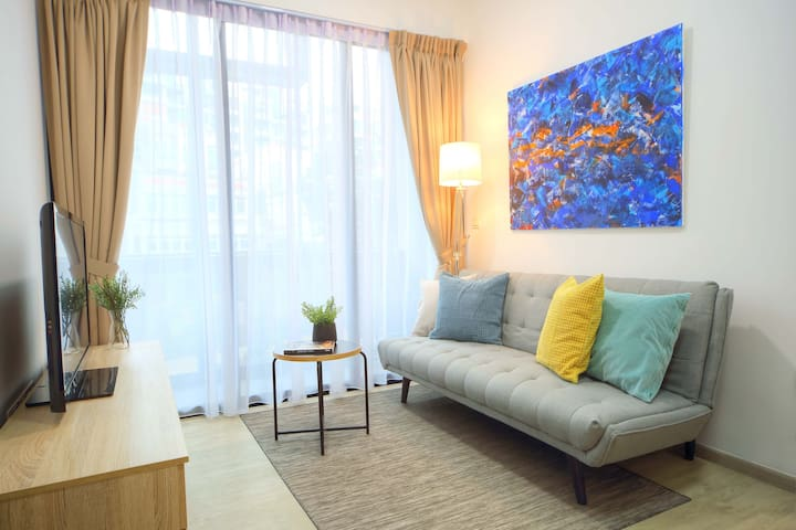 Private Apt close to MRT stn, 3 stn to Bouna Vista