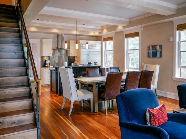 Two-Story Penthouse w/Spectacular Sunsets @ Auberge Element 52 (SW401)