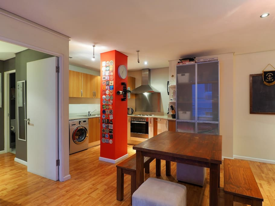 Affordable stunning city apartment with views for Affordable kitchens cape town