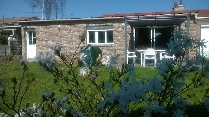 Jolie maison plein pied avec terrasse et pergola